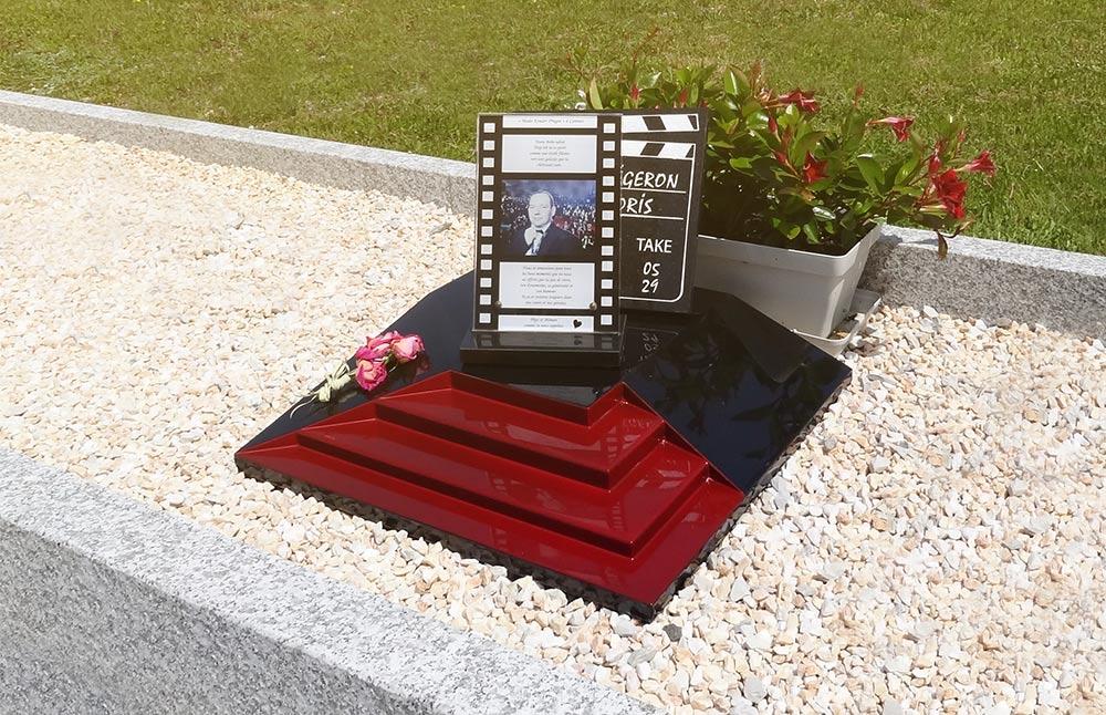 07-monument-funeraire-stele-design